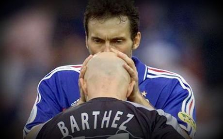 Laurent Blanc kisses Fabien Barthez before France 1998 World Cuo
