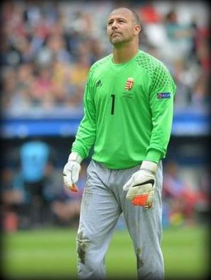 Gabor Kiraly, tracksuit bottoms, Crystal Palace, Fulham, Hertha